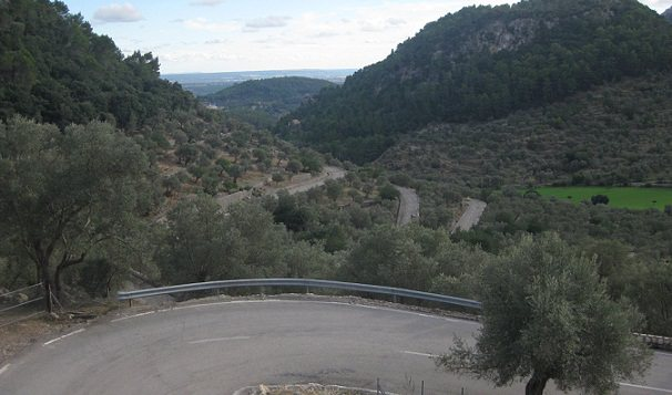 Hairpins of Coll de Soller, on the route of the Alcudia Trophy