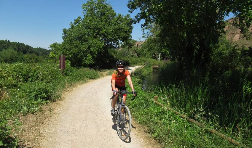 Cycle Route alongside the River Iregua
