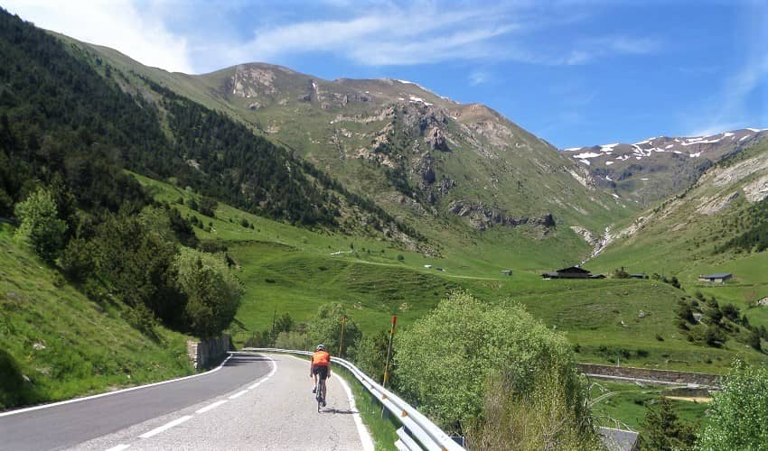 Smooth road surface on Coll d'Ordino