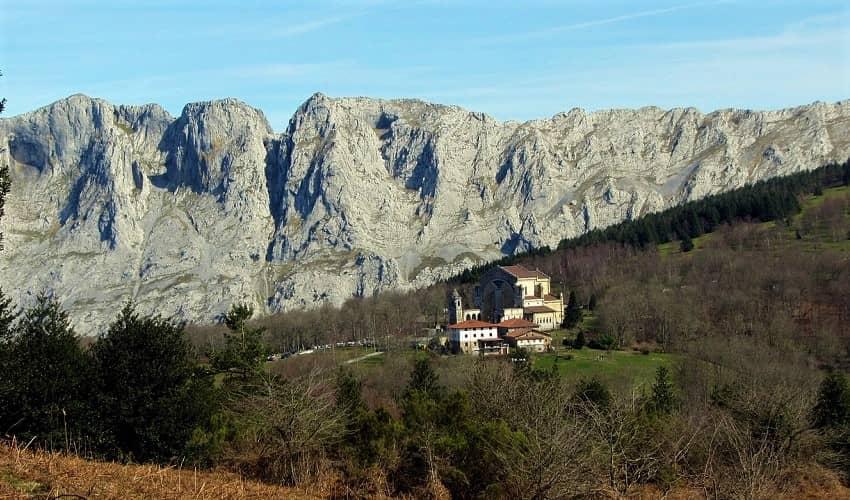 Urkiola from Otxandio - Basque Cycling Climb