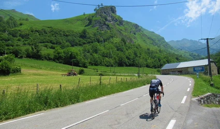 Quiet roads on the Col de Ispeguy