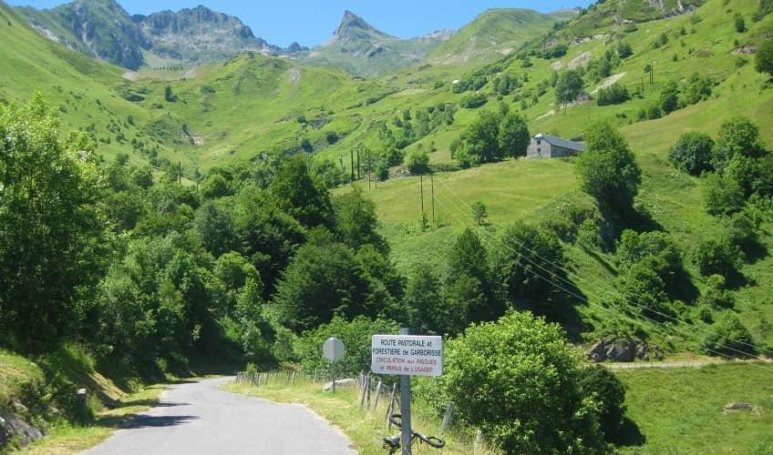 Luz Ardiden (Viscos) Green Mountain Scenery