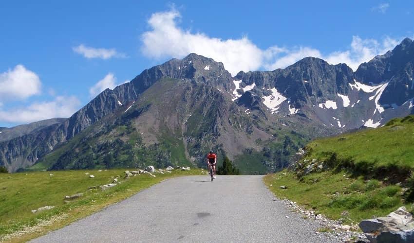 Route des Lacs cycling